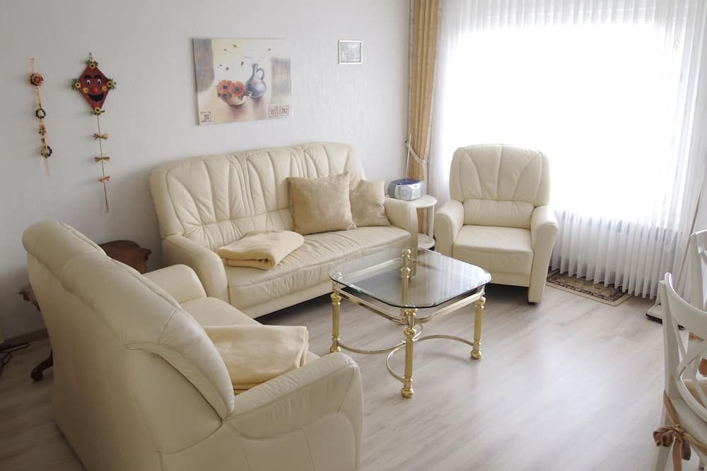 Apartment (Schimmer incl. 30 EUR cleaning fee) - Living Room