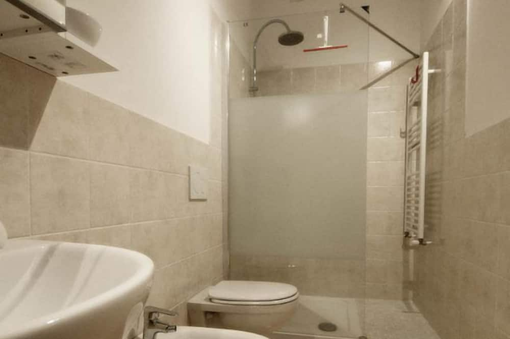 Трехместный номер «Классик», балкон (Arancione) - Ванная комната