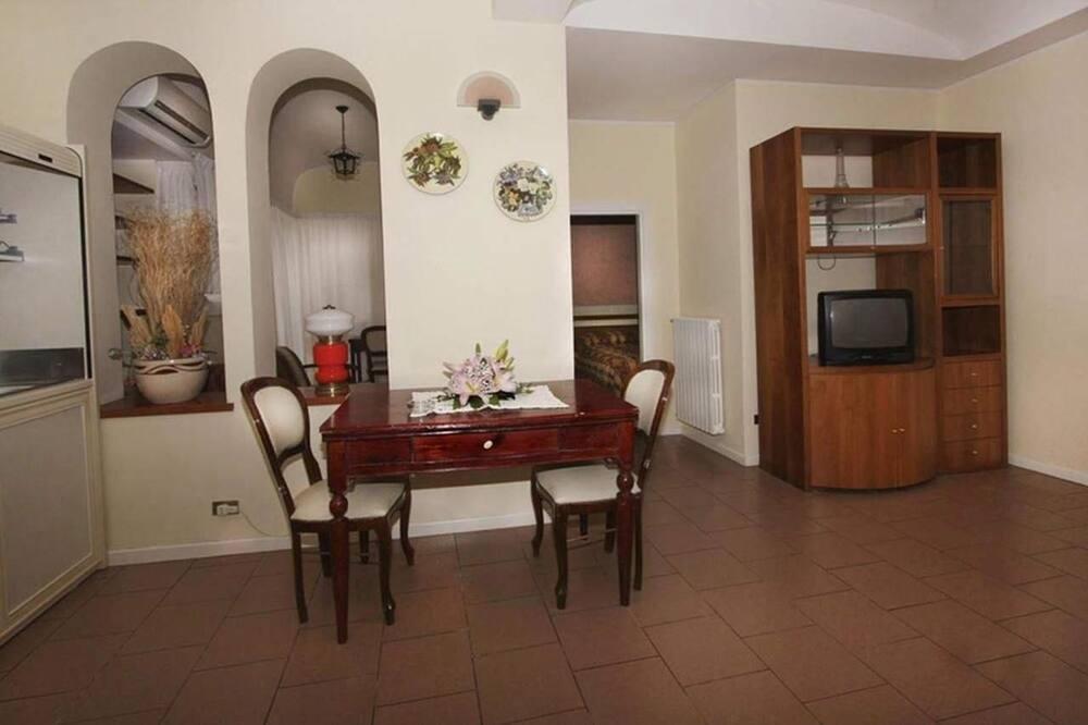 Appartement, 2 slaapkamers (4 Pax) - Eetruimte in kamer