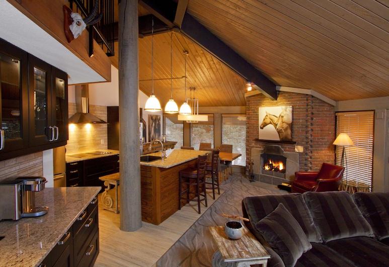 Jasper Inn & Suites by Sunrise, Jasper, Suite, 1 Tempat Tidur Queen, Dapur Di Kamar