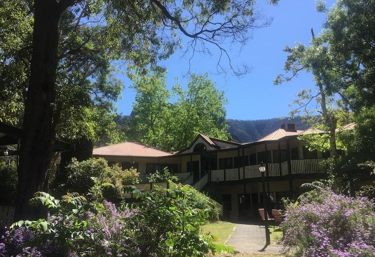 山格朗德哈爾斯蓋普酒店, 霍爾斯山谷