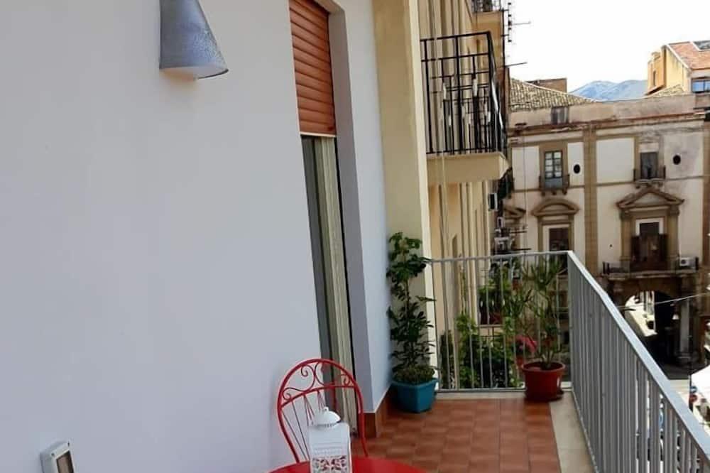 City Apartment, Multiple Beds, Non Smoking - Balcony