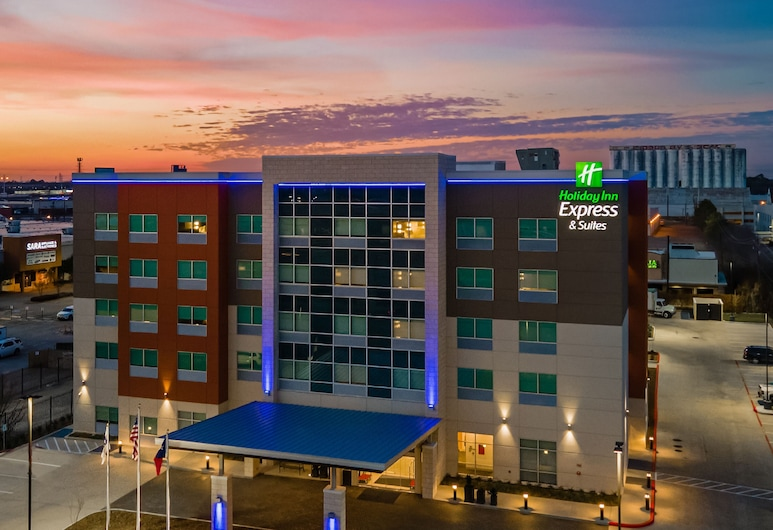 Holiday Inn Express & Suites Houston - Memorial City Centre, an IHG Hotel, Houston, Hotel Front