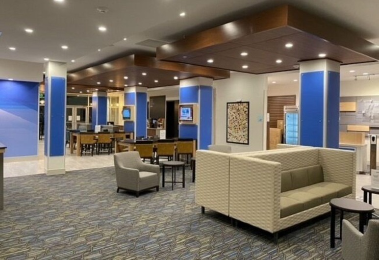 Holiday Inn Express & Suites Houston - Memorial City Centre, Houston, Tiền sảnh