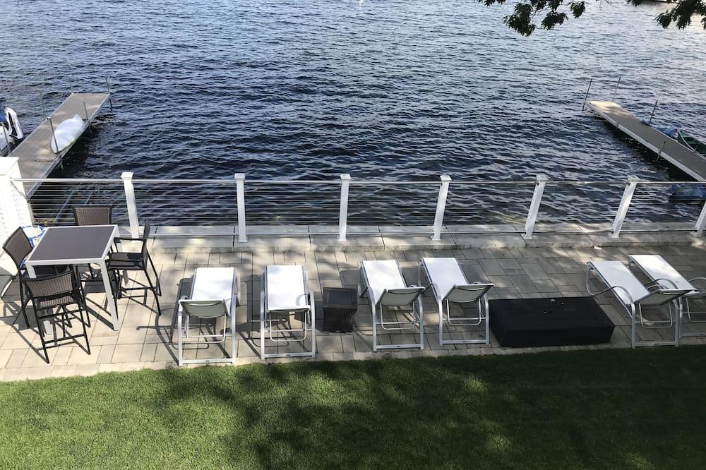 Hus – luxury, flere senger, ikke-røyk, utsikt mot innsjø - Utsikt mot vann
