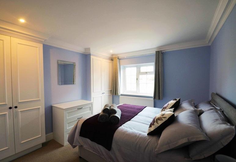 STABLE HOUSE - Near Windsor Castle, Windsor