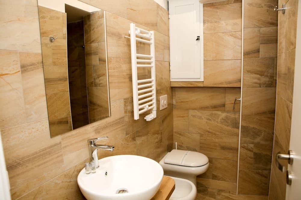 Economy Double Room, Private Bathroom - Bathroom