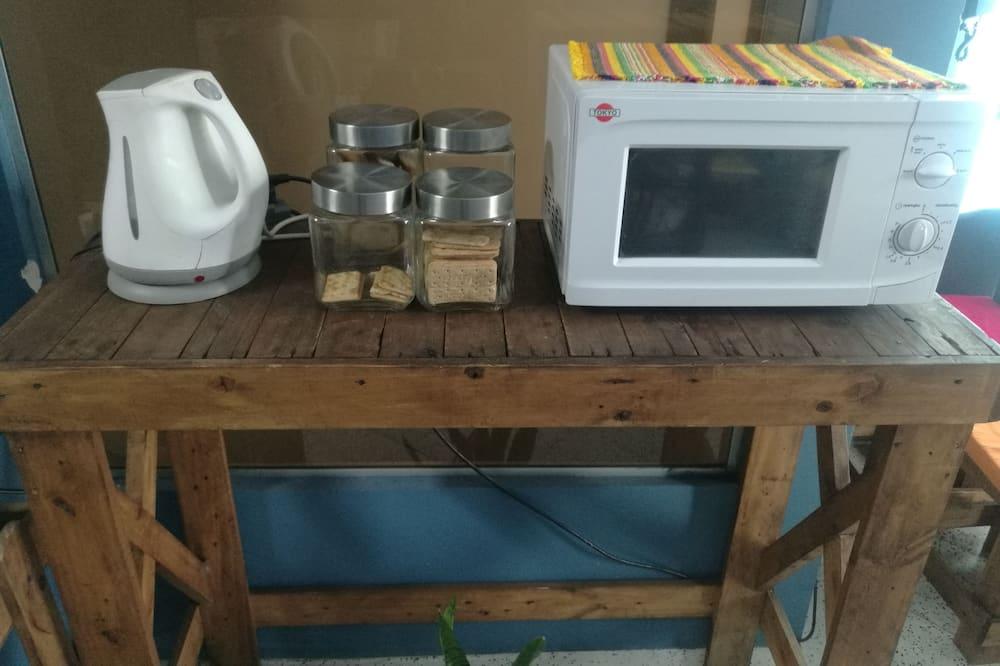Trang thiết bị bếp chung
