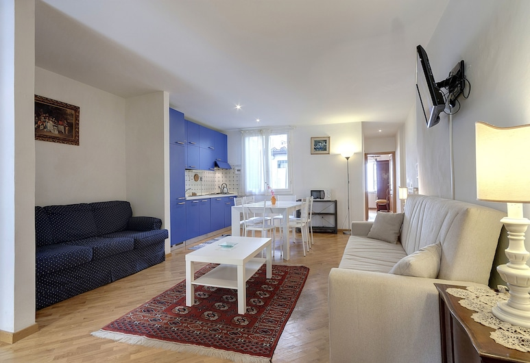 Appartamento Leonardo, Florence, Apartment, 2 Bedrooms, Non Smoking (2nd floor, stair access only), Living Area