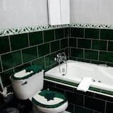 Standard Room, 1 Queen Bed, Smoking - Bathroom