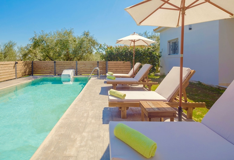 Villa Daphne With Private Pool - Two Bedroom Villa, Sleeps 5, Zante, Piscina all'aperto