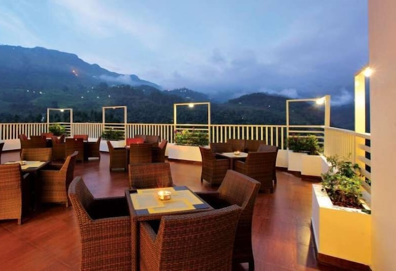 Gokulam Park Munnar, Devikolam, Outdoor Dining