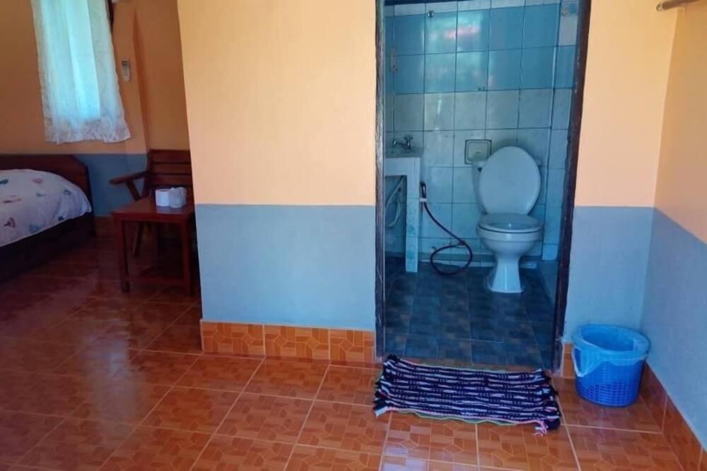 基本單棟小屋, 1 張加大雙人床, 吸煙房 - 浴室