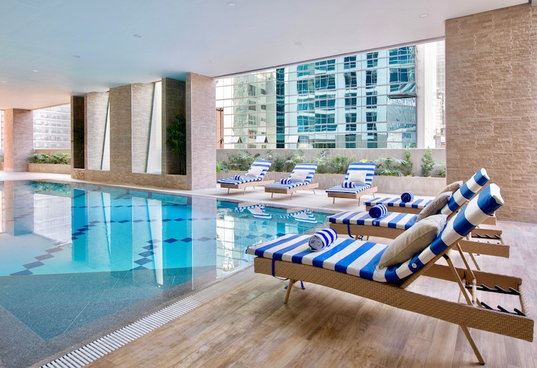 The Sphere Serviced Residences Managed by HII, Makati, Hồ bơi trong nhà