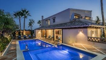 Фото The Residence by Beach House Marbella у місті Марбелья