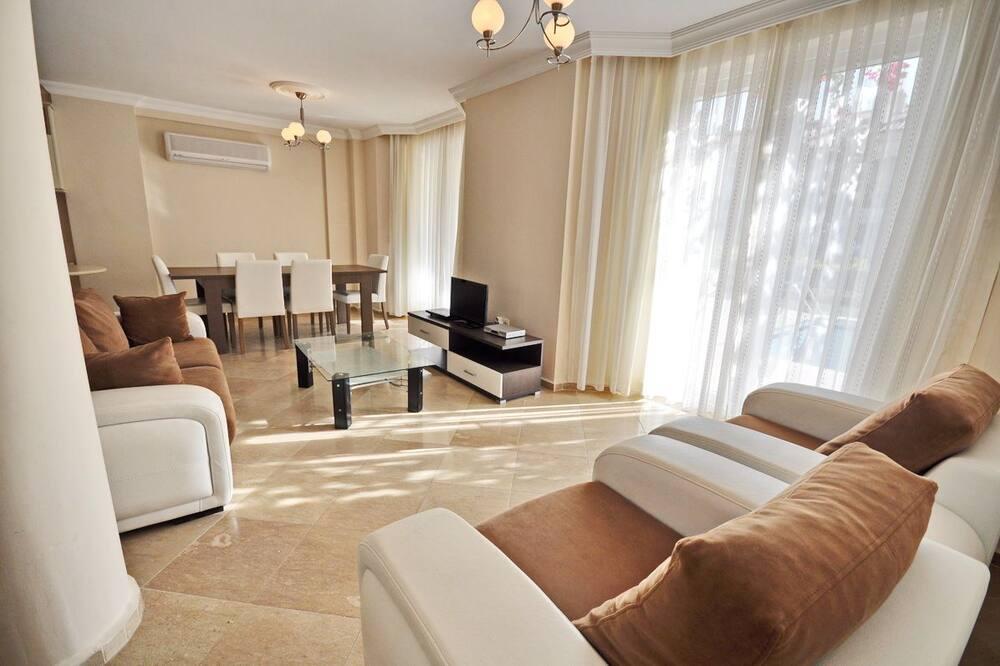 Villa, skats uz baseinu - Dzīvojamā istaba