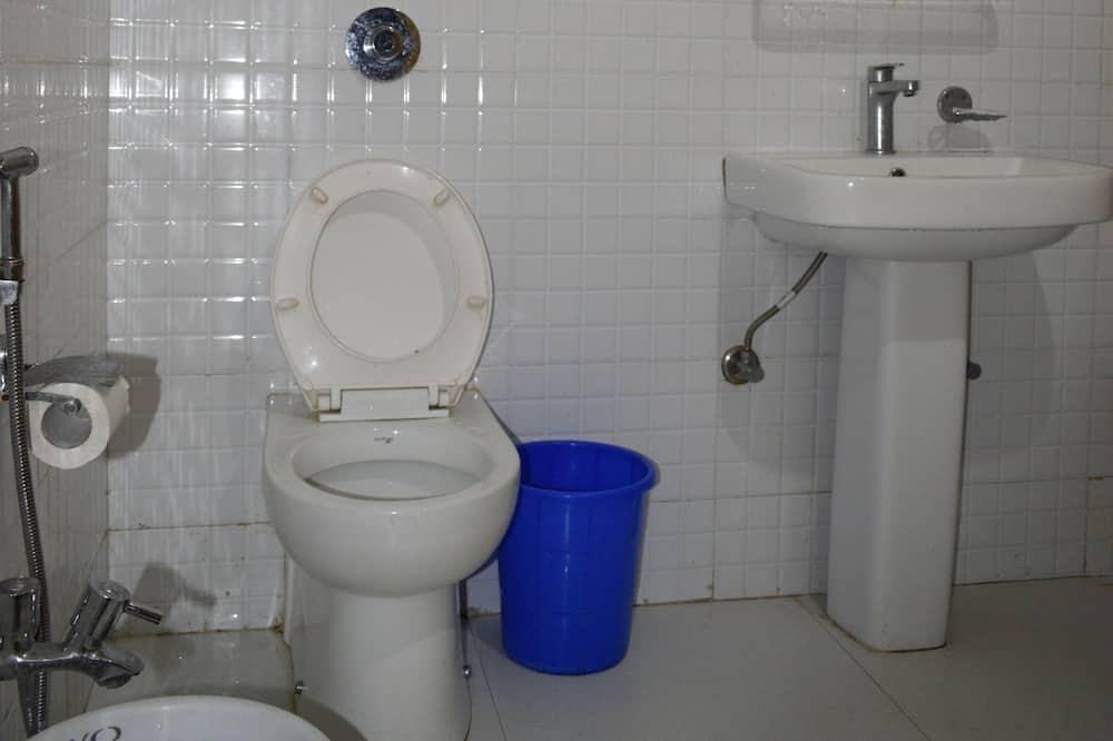Four Beds Room - Bathroom
