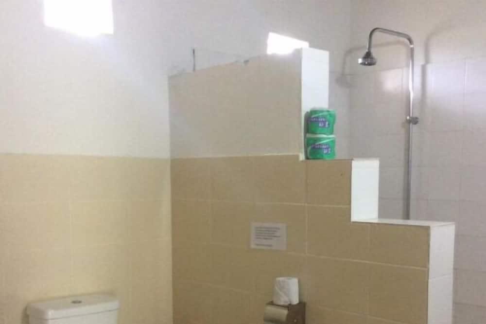 Superior-Dreibettzimmer, Nichtraucher, eigenes Bad - Badezimmer