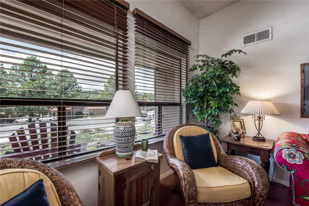 Condo, Multiple Beds, Patio, Golf View - Room