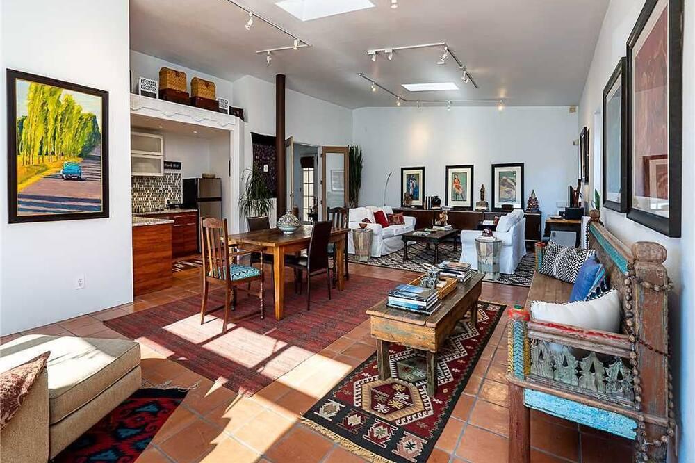 Ferienhaus, 1 Queen-Bett, Küche, Gartenblick - Wohnzimmer