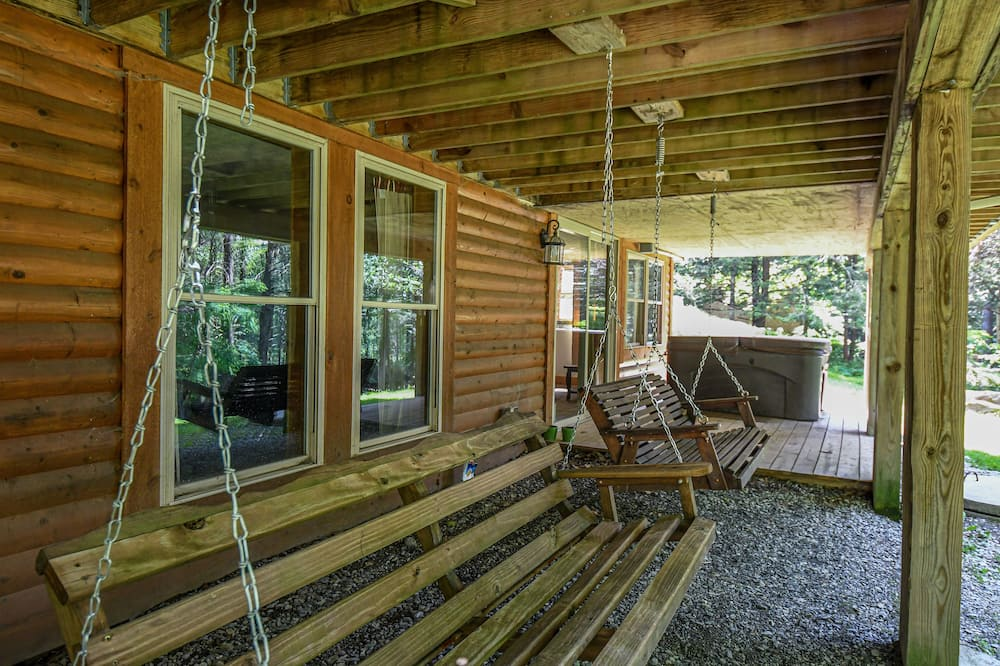 House, Multiple Beds, Hot Tub - Balcony