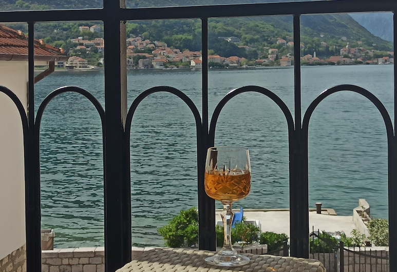 The Sea Coast-Adults Only, Kotor, Studio, Balcon