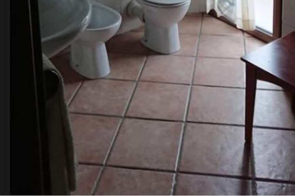 Deluxe szoba kétszemélyes ággyal, erkély - Fürdőszoba