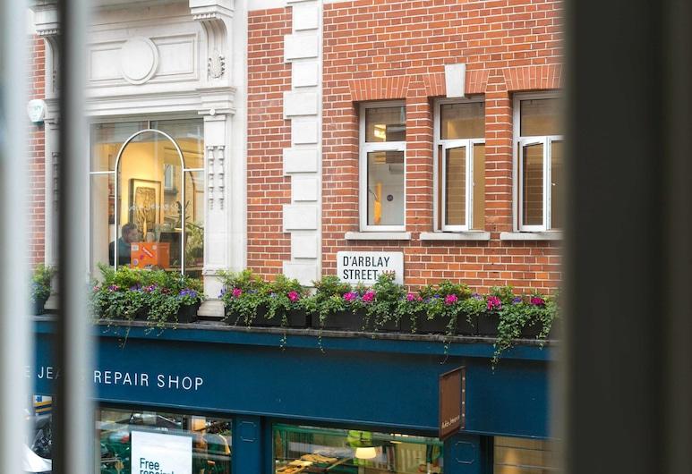 阿爾布萊街酒店, 倫敦, 住宿入口