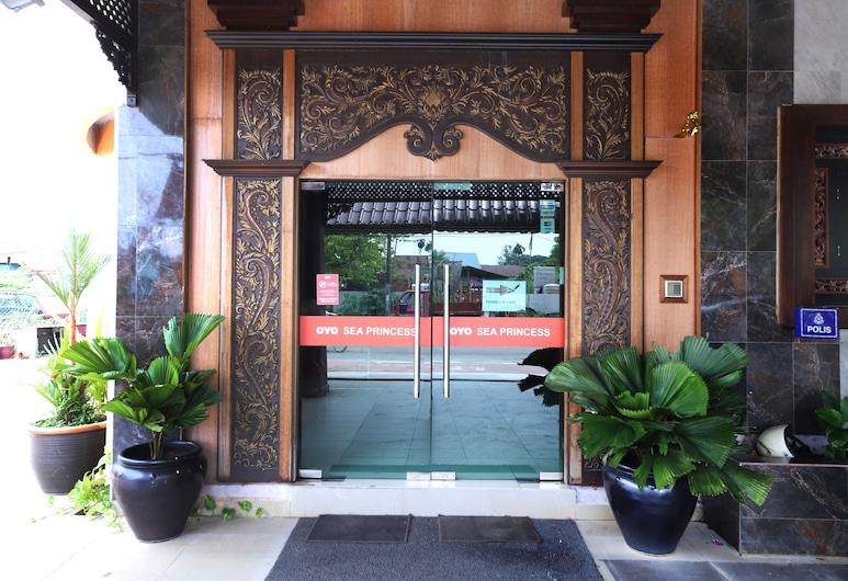 OYO 528 Sea Princess Hotel, George Town, Hotel Entrance