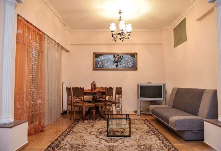 Cozy & Spacious Apartment in Central, Athens