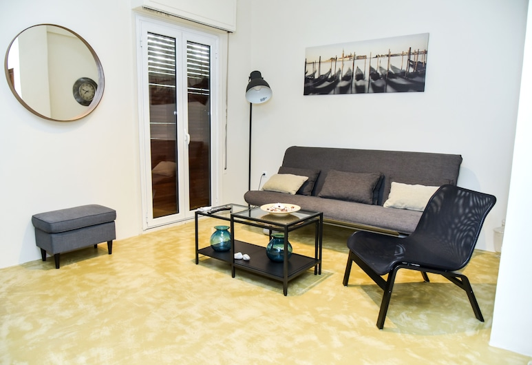 Brand-new Modern Flat in Central Athens, Ateena
