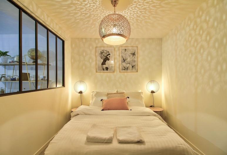 Le Sevigne - Cosy & Clean, Dijon, Apartmán typu City, dvojlůžko a rozkládací pohovka, nekuřácký, výhled na město, Pokoj
