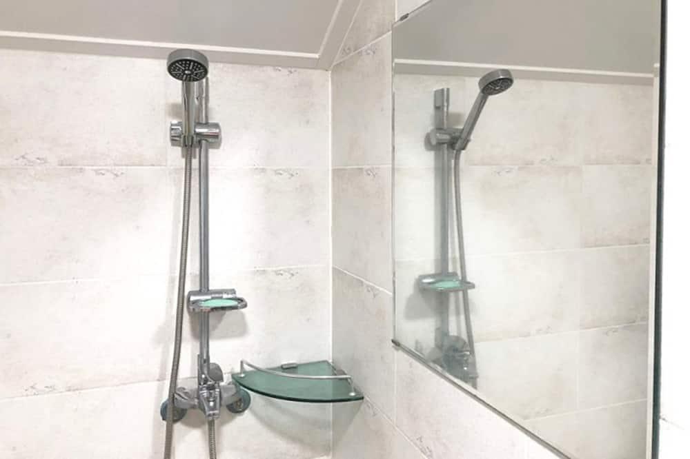 Kamar Twin - Shower Kamar Mandi