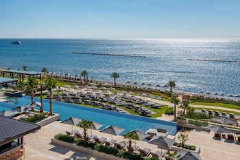 Enter your dates for our Limassol last minute prices