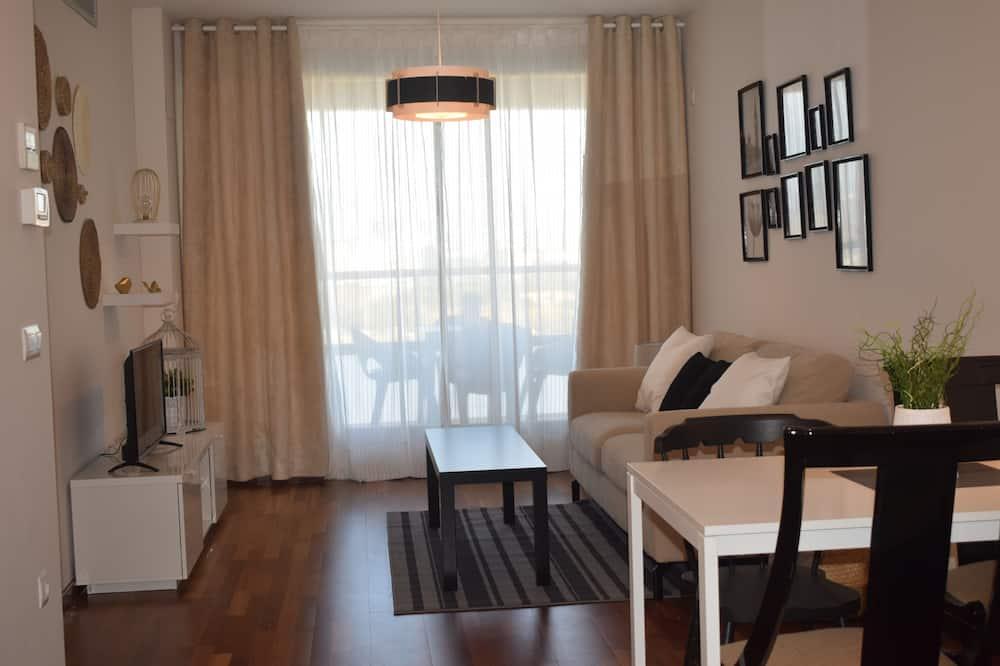 Apartmán, 3 ložnice, balkon, výhled do parku - Obývací pokoj