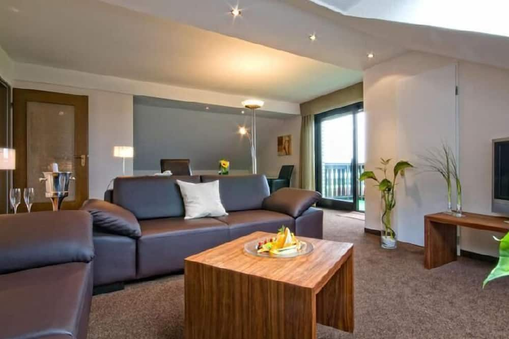 Junior Suite, 1 Double Bed, Non Smoking - Living Area