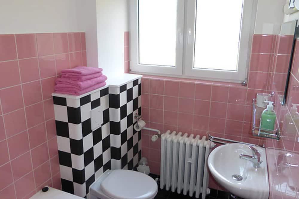 ห้องดับเบิล, ระเบียง (Rosa) - ห้องน้ำ