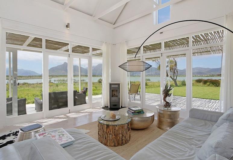 Buhle Imhoff, Ciudad de El Cabo, Villa económica, 2 habitaciones, Sala de estar