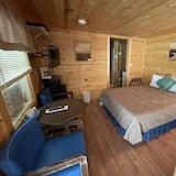 Deluxe Room, Multiple Beds, Non Smoking - Living Area