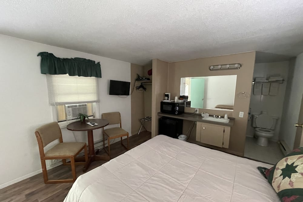 Comfort Twin Room, Multiple Beds, Non Smoking - Living Area