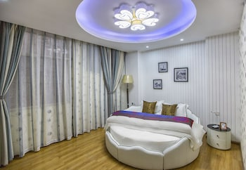 Picture of Tianrui  Xingyu Fashion Hotel in Kunming