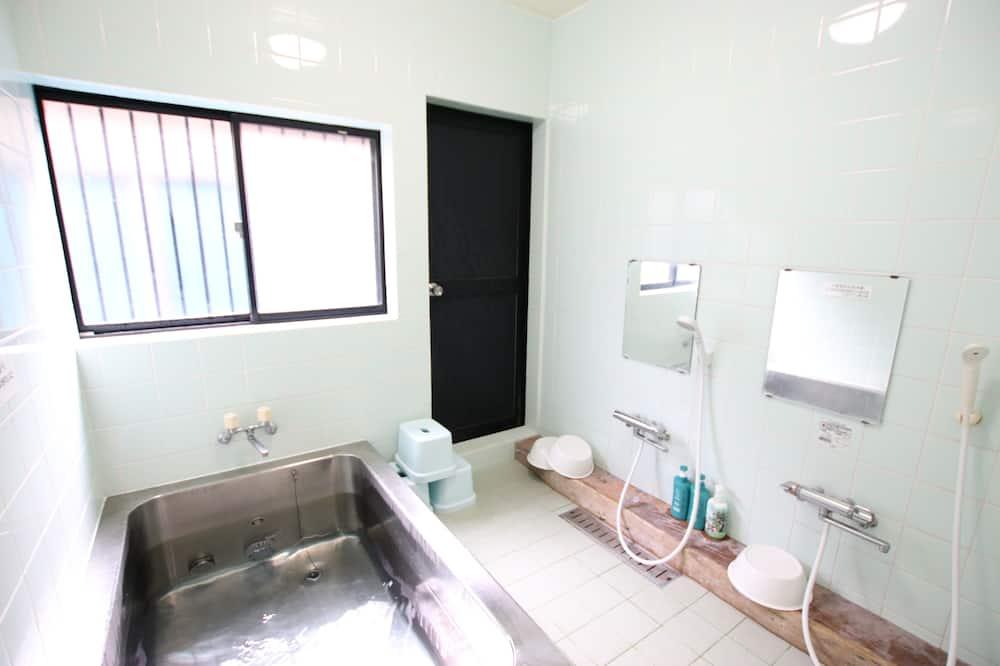 Tradicionális szoba, kilátással az óceánra (Japanese Style) - Fürdőszoba