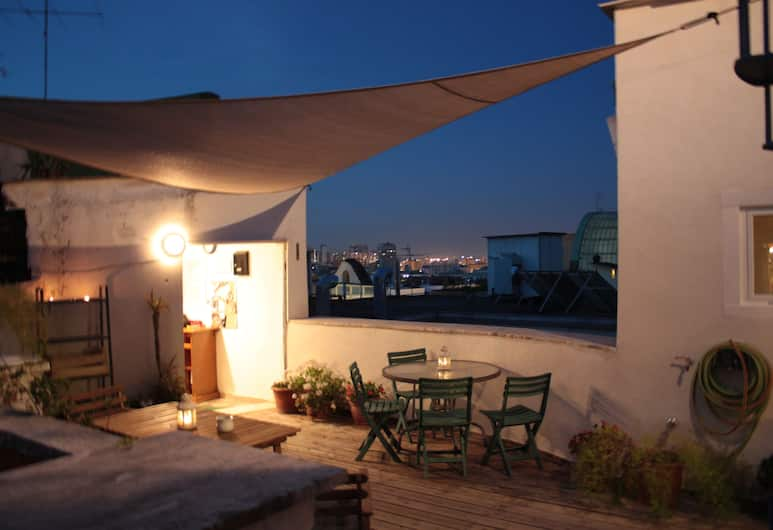 Roof Apartment Funicolare, Naples, Teras/Patio