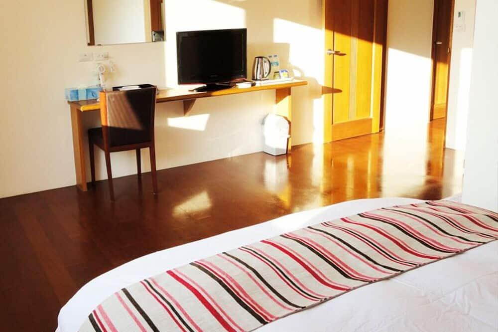 Keturvietis kambarys, 2 standartinės dvigulės lovos, Nerūkantiesiems - Vonios kambarys