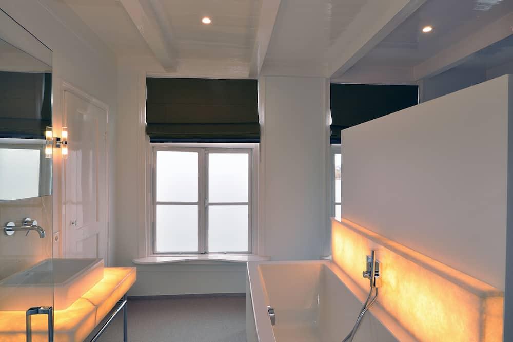 Suite, Flussblick - Badezimmer