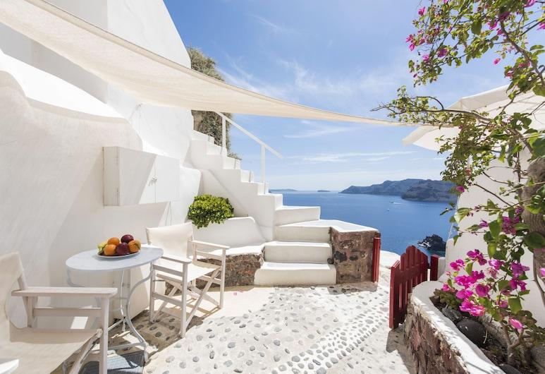 White Cave Villa by Caldera Houses, Santorini