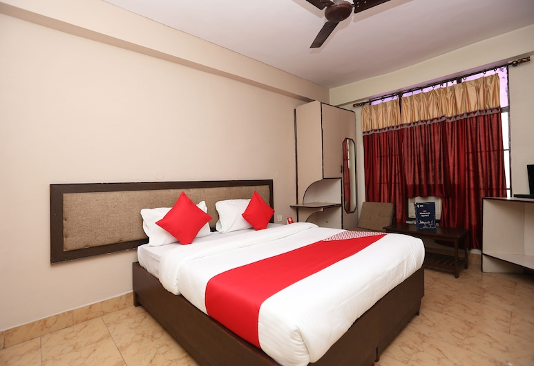 OYO 19668 Hotel Udupi Residency, Agra, Deluxe Double Room, Guest Room