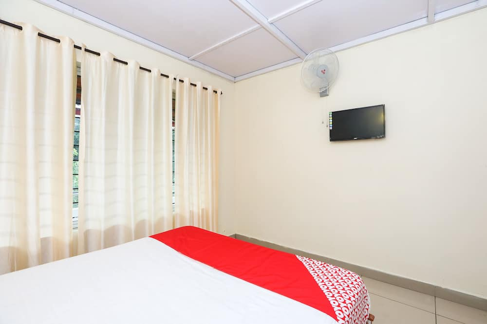 Double or Twin Room - Television