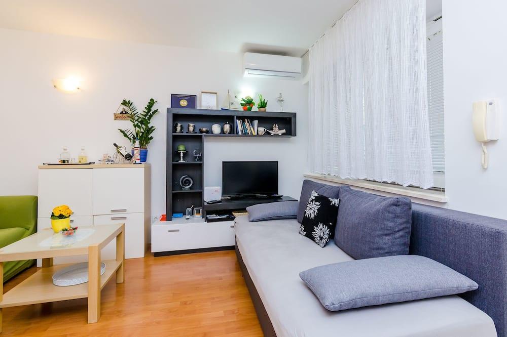 Superior Apartment, 1 Bedroom, Terrace - Living Room