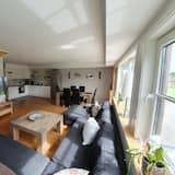 Apartment, Garden Area (4A) - Living Room
